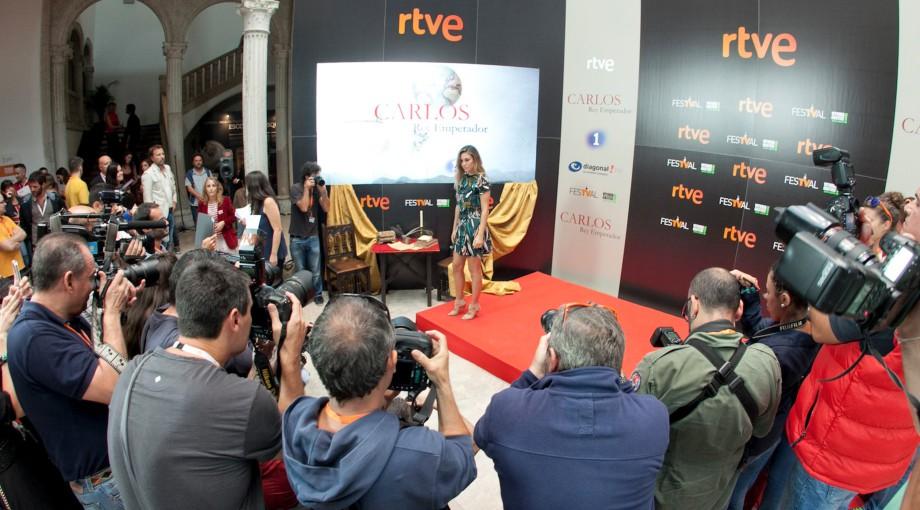 La 1 estrena su nueva serie Carlos, Rey Emperador  en el FesTVal